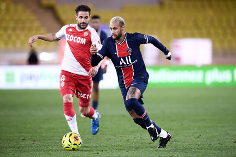 Fabregas (trái) đánh giá rất cao Neymar