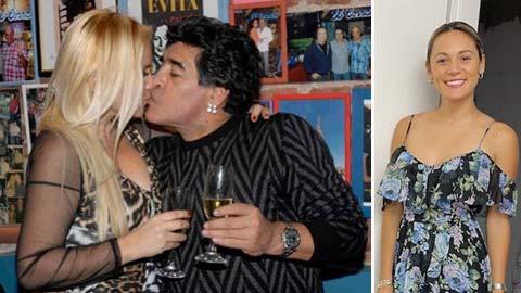 Bồ cũ Maradona đấu đá nhau loạn xạ