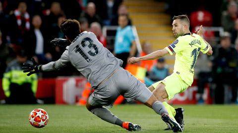 Jordi Alba và đồng đội toàn thắng 5 trận gần nhất đối đầu Elche mà không để thủng lưới bàn nào