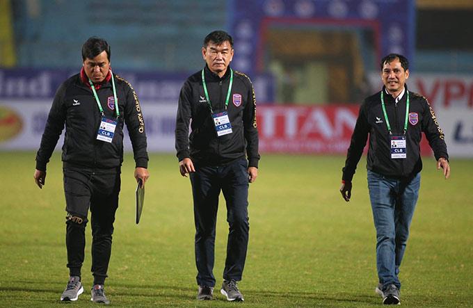 HLV Phan Thanh Hùng gặp lại đội bóng cũ Hà Nội FC trên sân Hàng Đẫy. Ông dự tính với việc Hà Nội FC đang khát thắng và lại được chơi trên sân nhà, B.Bình Dương chỉ đặt mục tiêu có 1 điểm