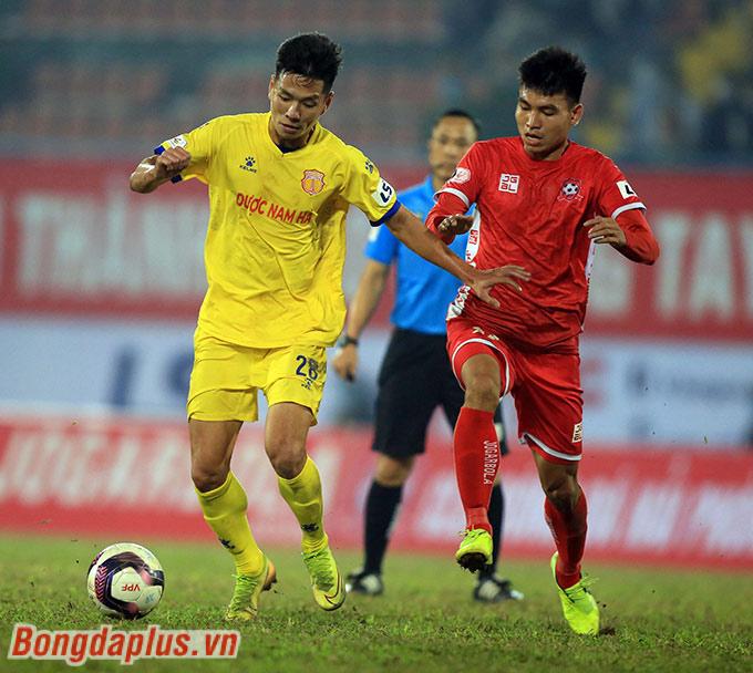 Nam Định sau chiến thắng 3-0 trước Hà Nội đã phải trở lại mặt đất