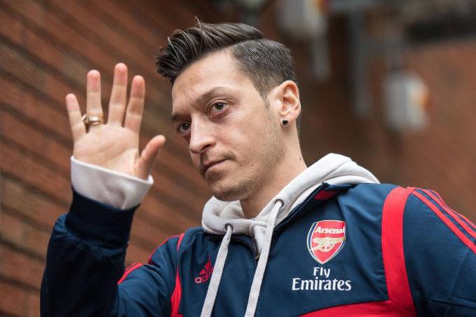 Ozil cũng đã viết tâm thư tới Arsenal