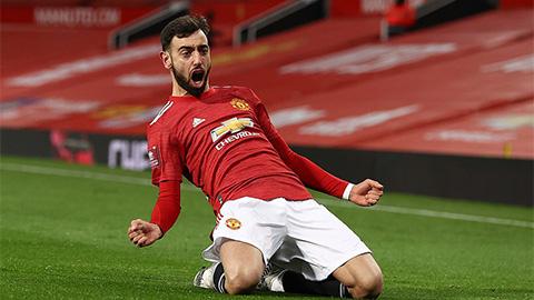 Điểm nhấn MU 3-2 Liverpool: Hàng thủ đội khách 'giúp' Quỷ đỏ ngược dòng
