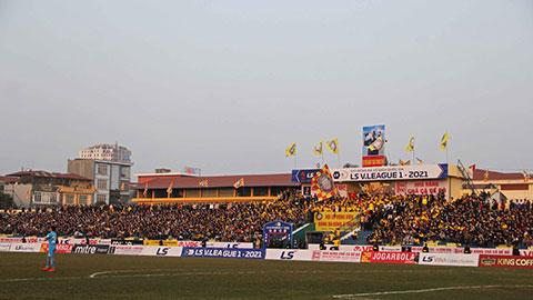 Từ khi có nhà tài trợ Đông Á, sân Thanh Hóa sống lại không khí sục sôi với lượng khán giả lớn đến sân