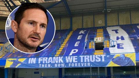 Fan căm phẫn BLĐ Chelsea vì sa thải Lampard