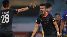 """5 bàn thắng đẹp nhất vòng 2 V.League: Siêu phẩm Tiến Linh """"đánh sập"""" Hàng Đẫy"""