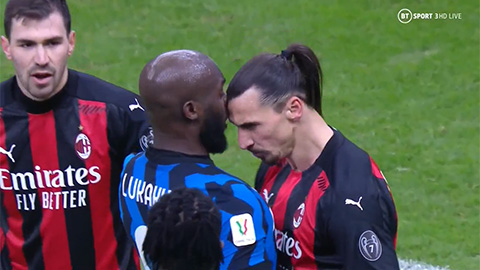 """Ibrahimovic bị thẻ đỏ vì """"thiết đầu công"""" với Lukaku"""