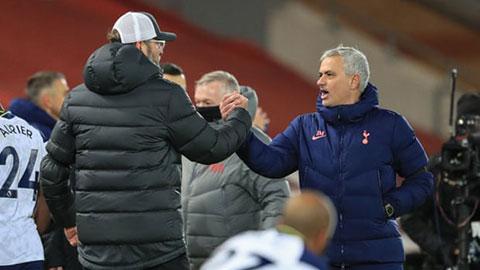 Mourinho: 'Tôi tiến hóa hơn và không là bạn với Klopp'