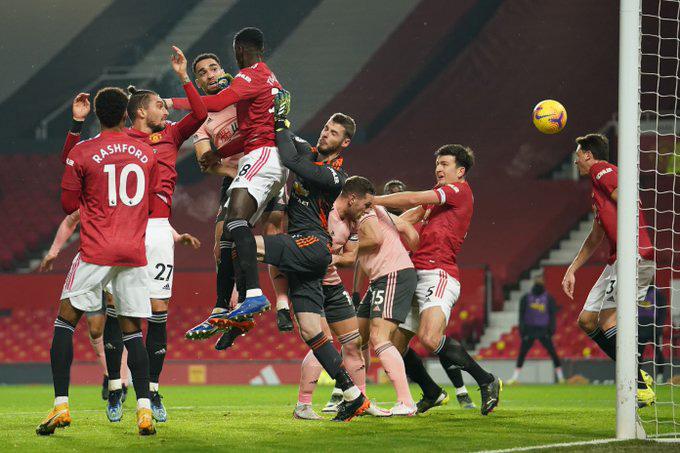 Bryan mở tỷ số trận đấu giữa MU và Sheffield ở phút 23