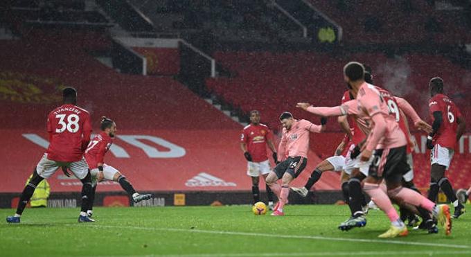 Burke ấn định tỷ số 2-1 cho Sheffield ở phút 74