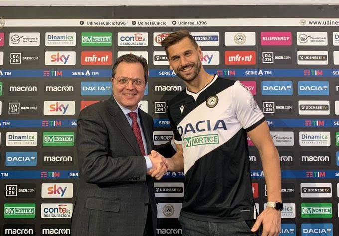 Llorente ra mắt Udinese