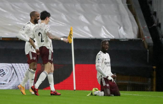 Pepe mở tỷ số cho Arsenal ở phút 32