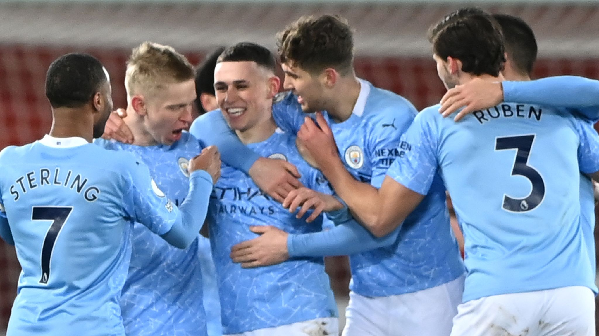 Foden thi đấu rực sáng trong trận Liverpool vs Man City