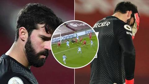 Alisson trở thành 'Karius đệ nhị' trong ngày Liverpool thua thảm Man City