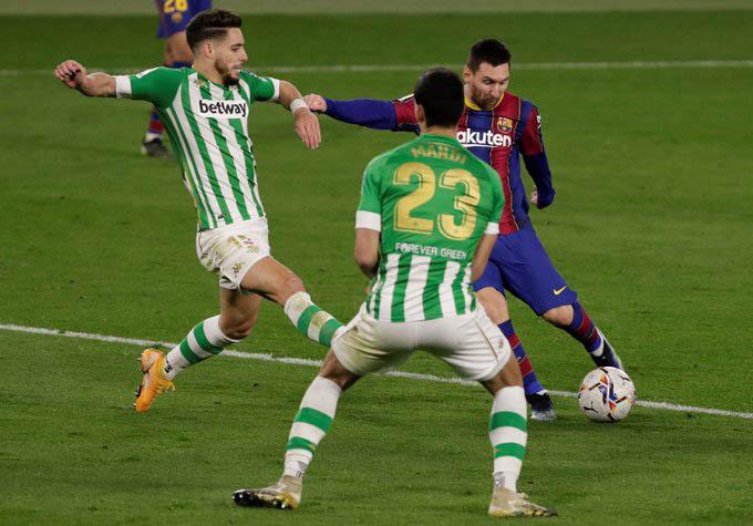 Messi vào sân từ ghế dự bị và tỏa sáng