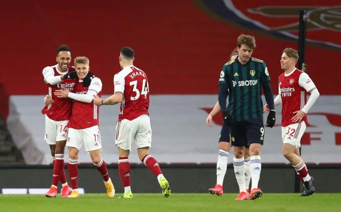 Aubameyang đã có ngày thi đấu chói sáng để giúp Arsenal đánh bại Leeds