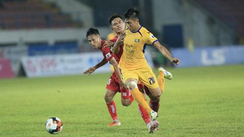 Văn Đức mong Covid-19 sớm được kiểm soát để cầu thủ có thể trở lại thi đấu và cống hiến cho NHM - Ảnh: Minh Tuấn