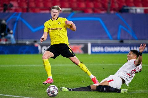Erling Haaland ghi tới 25 bàn chỉ sau 24 trận khoác áo Dortmund mùa này