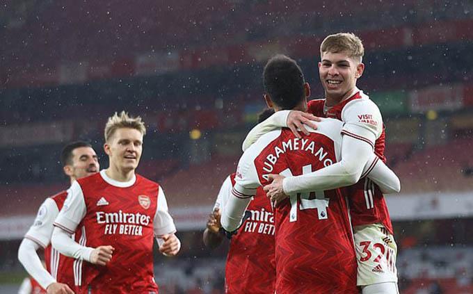 Các đội bóng ở Ngoại hạng Anh đều ủng hộ Arsenal đánh bại Man City