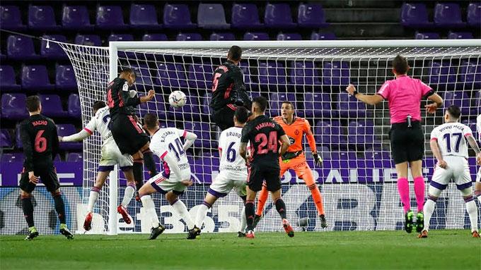 Casemiro ghi bàn duy nhất của trận đấu