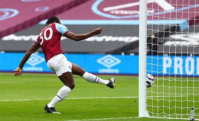 Antonio mở tỷ số trận West Ham vs Tottenham