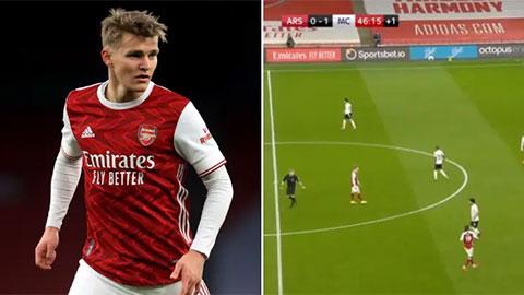 Fan Arsenal phẫn nộ khi Odegaard bị đồng đội cô lập trên sân