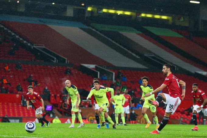 Bruno Fernandes ấn định tỷ số 3-1 trận MU vs Newcastle trên chấm 11m