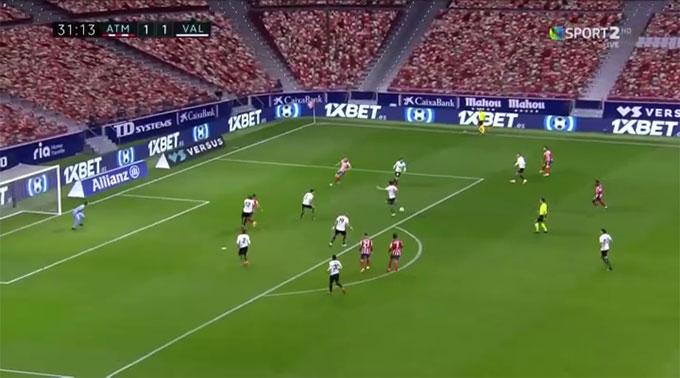 Một tình huống Atletico tấn công bất thành