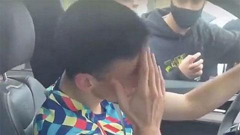 Barca hỗn loạn: Lenglet đơn độc trong phòng thay đồ, khóc nức nở rời CLB