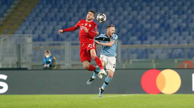 Lazio (áo xanh) tỏ ra kém cỏi trước nhà ĐKVĐ Champions League
