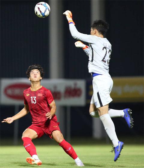 Danh Trung (trái) được cho rằng sẽ sang Nhật thi đấu trong thời gian tới Ảnh: ĐỨC CƯỜNG