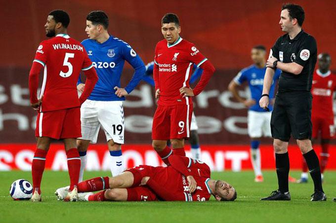 Liverpool thua trận thứ 4 liên tiếp tại Premier League và vừa mất thêm Henderson vì chấn thương