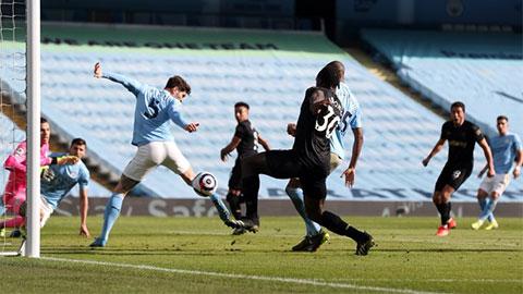 Man City đứt mạch giữ trắng lưới trên sân nhà cực kỳ ấn tượng ở Premier League
