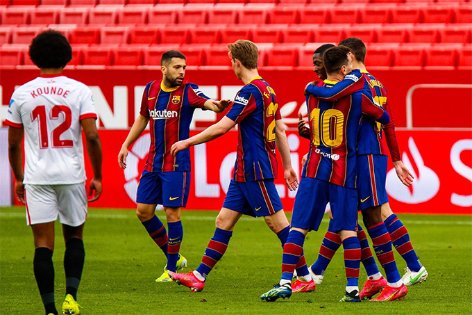 Messi ấn định chiến thắng ở những phút cuối trận