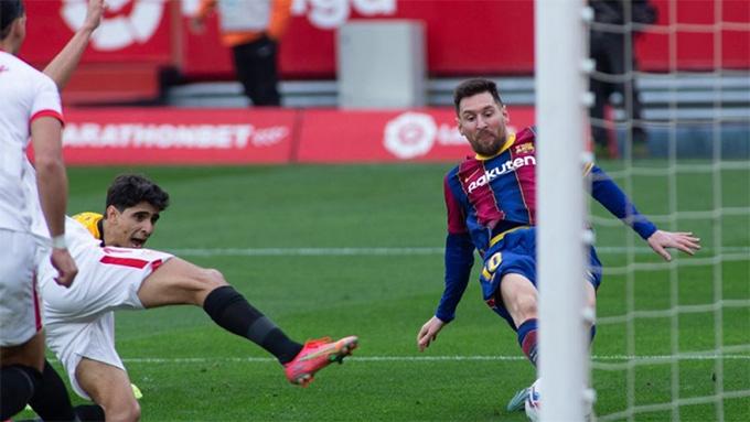 Messi ghi bàn ở trận Sevilla vs Barca