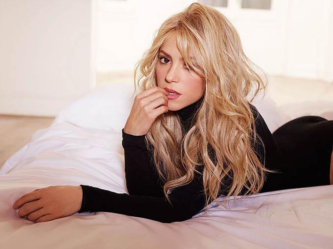 2. Shakira: Bạn gái của trung vệ Gerard Pique (Barcelona) sở hữu khối tài sản vào khoảng 220 triệu bảng