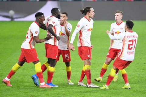 RB Leipzig hiện chỉ còn kém đội dẫn đầu Bayern có 2 điểm