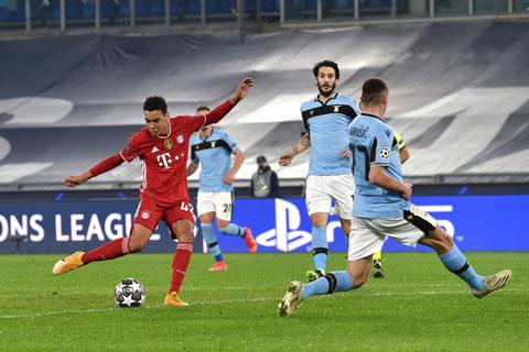 Jamal Musiala ghi bàn thắng vào lưới Lazio tại lượt đi vòng 1/8 Champions League hôm 23/2