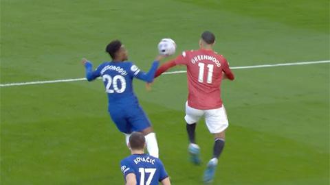 Pha bóng gây tranh cãi hiệp 1 trận Chelsea vs MU