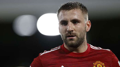 Shaw & Solskjaer thoát án phạt của FA