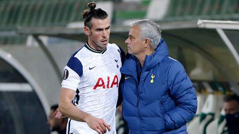 Mourinho nổi nóng khi được hỏi về tương lai của Bale