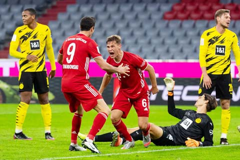 Kimmich ăn mừng bàn thắng từng ghi vào lưới Dortmund