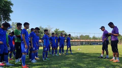 Phố Hiến FC du Nam đá giao hữu