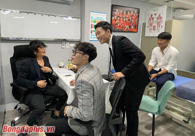 Bác sỹ Choi Ju Young đồng hành với Trung tâm do Xuân Trường làm đồng sáng lập