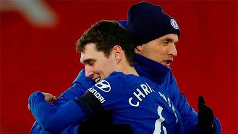 Chelsea tính gia hạn hợp đồng với Christensen