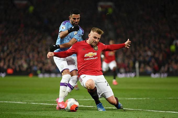 Mahrez và Shaw là niềm hi vọng của 2 CLB thành Manchester