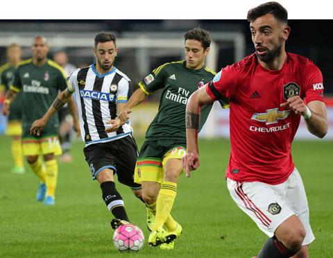 Khi còn khoác áo Udinese và Sampdoria, Bruno (trái) từng nhiều lần đối đầu Milan