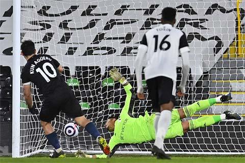 Với chiến thắng thuyết phục trên sân của Fulham, Man City đang tiến gần hơn tới chức vô địch
