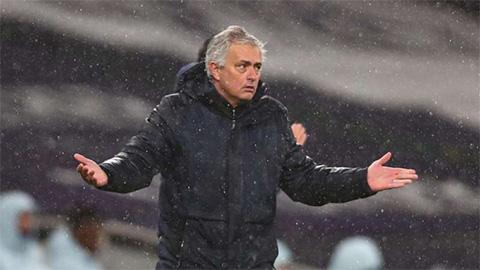 Mourinho nghi ngờ thái độ cầu thủ Tottenham trong trận thua ngược Dinamo Zagreb