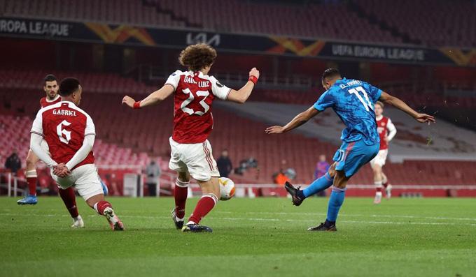 El Arabi ghi bàn duy nhất trận đấu Arsenal vs Olympiacos